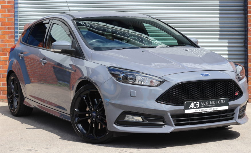 2017 (17) Ford Focus 2.0T EcoBoost ST-3 (s/s) 5dr