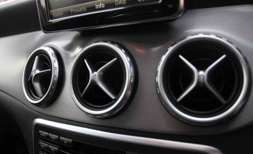 2015 (15) Mercedes-Benz GLA Class 2.0 GLA45 AMG (Premium) Speedshift DCT 4MATIC 5dr