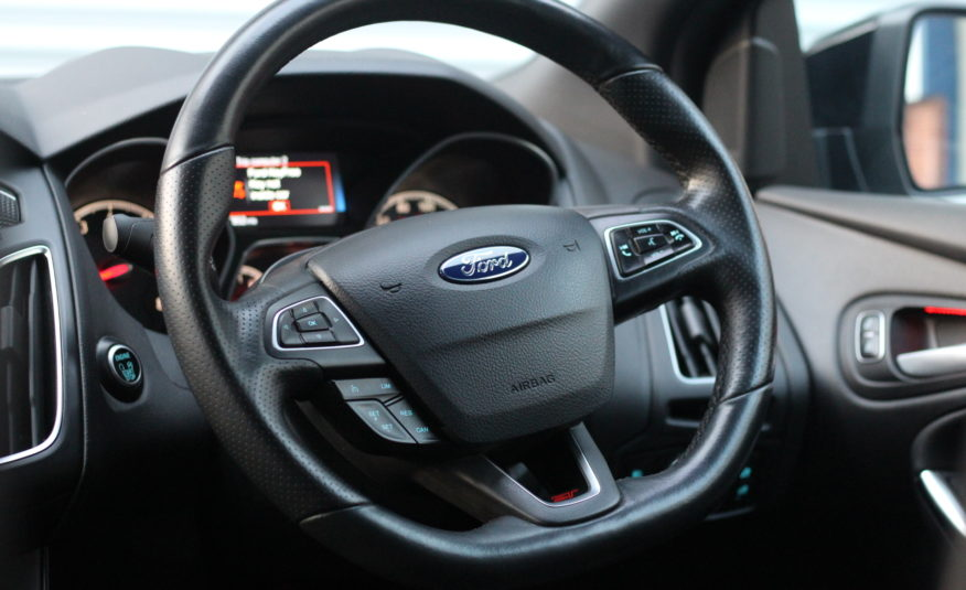 2017 (67) Ford Focus 2.0T EcoBoost ST-3 (s/s) 5dr